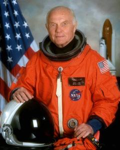 самый пожилой космонавт Джонн Гленн